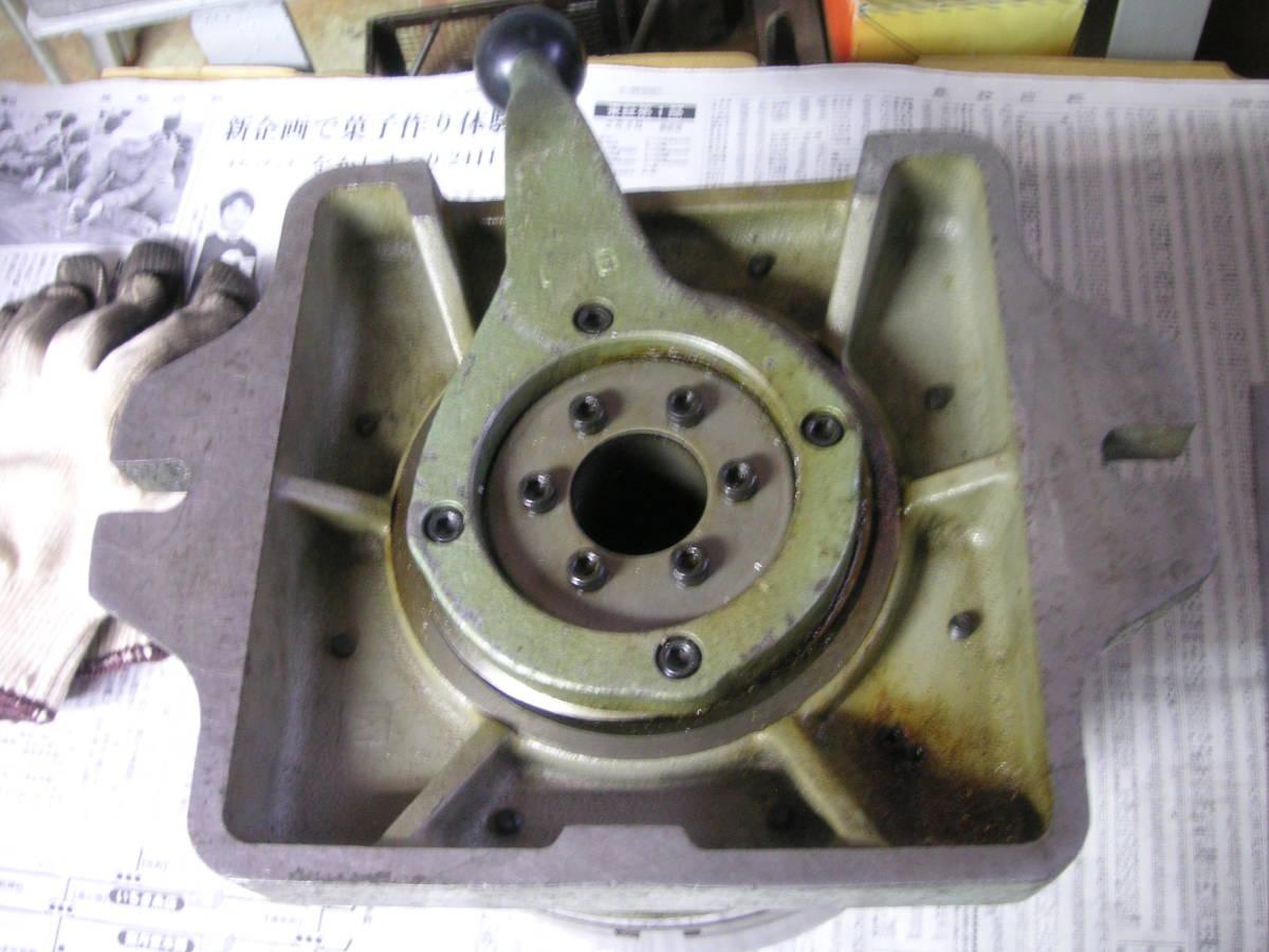シンポ工業製インデックスとスクロールチャック 中古 回転テーブル 分割盤 サーキュラーテーブル 割り出し盤 三ッ爪チャック_画像6