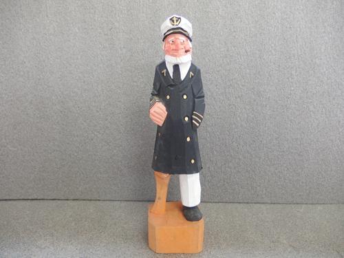 300148s【木彫り 船長 置物】男性/煙草をくわえる人/H31cm/中古品_画像1