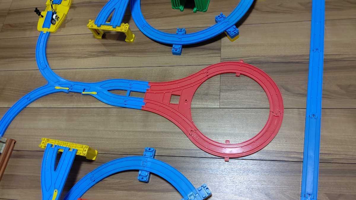 プラレール Wループに、トンネル、Uターンレールなど_画像8