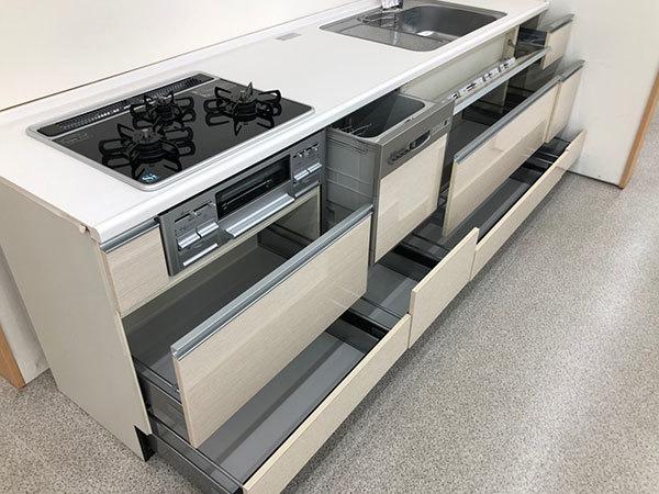 N4082【展示未使用品】タカラスタンダード 高級システムキッチン/ビルトインコンロ/食洗機/レンジフード/150万_画像3