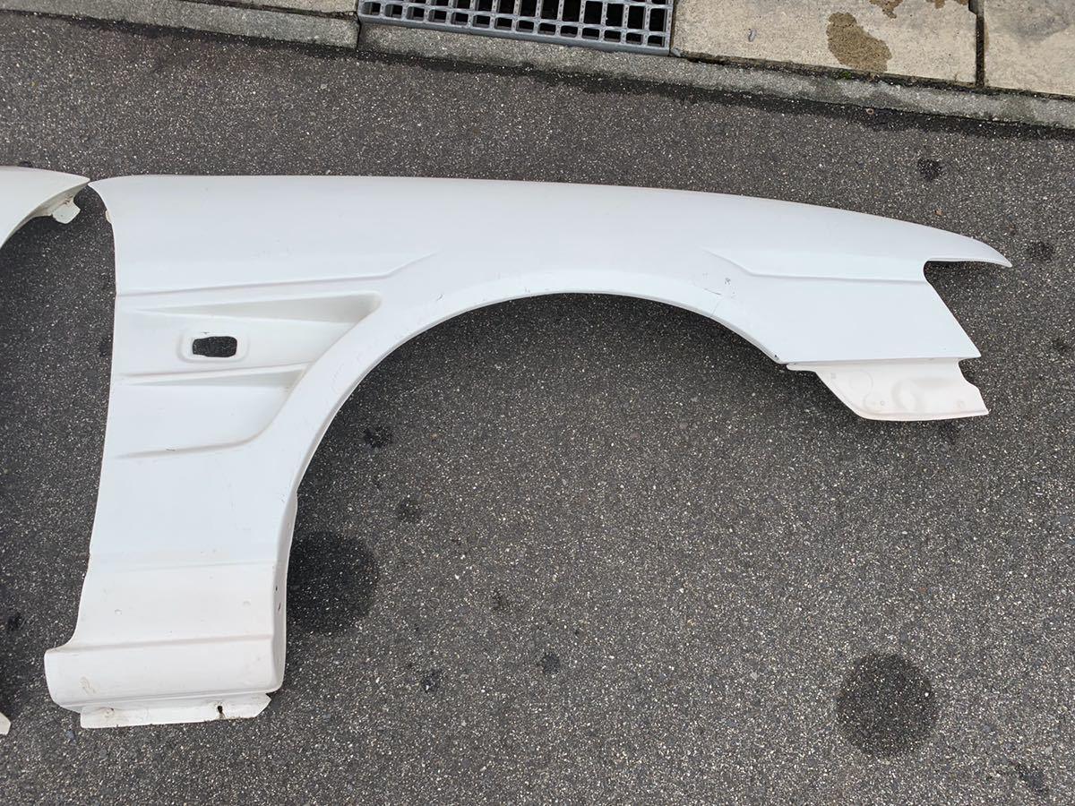 希少? ローレル c35 フロントフェンダー 左右 FRP ワイドフェンダー D-MAX タイプ? 白ゲル メーカー不明?_画像2