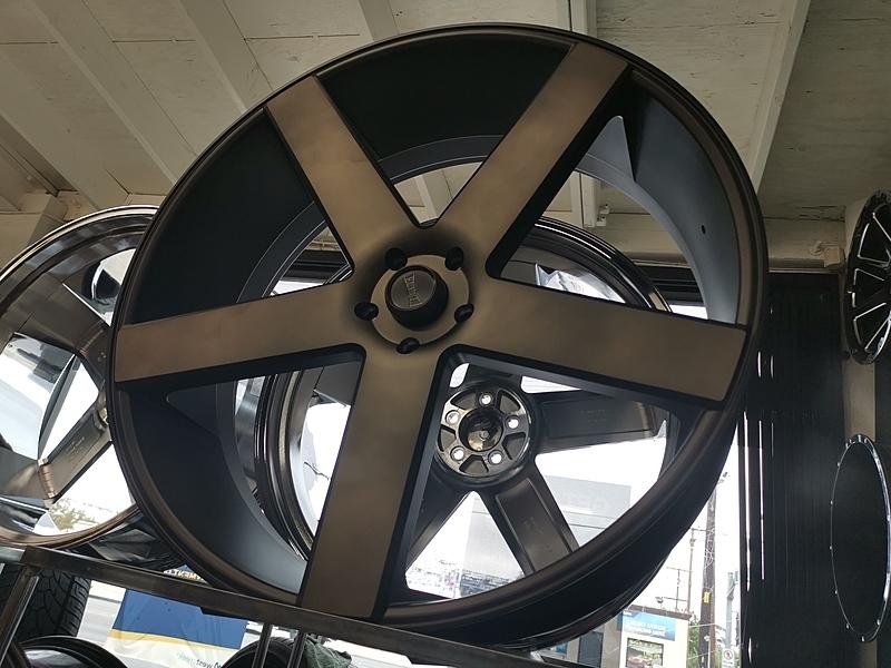 30インチ DUB BALLER S116 ブラックマシンド+スモーク 大径ホイール 30x10 5x127mm 4本タイヤセット ジープ JK JL ラングラー / ドンク_画像5