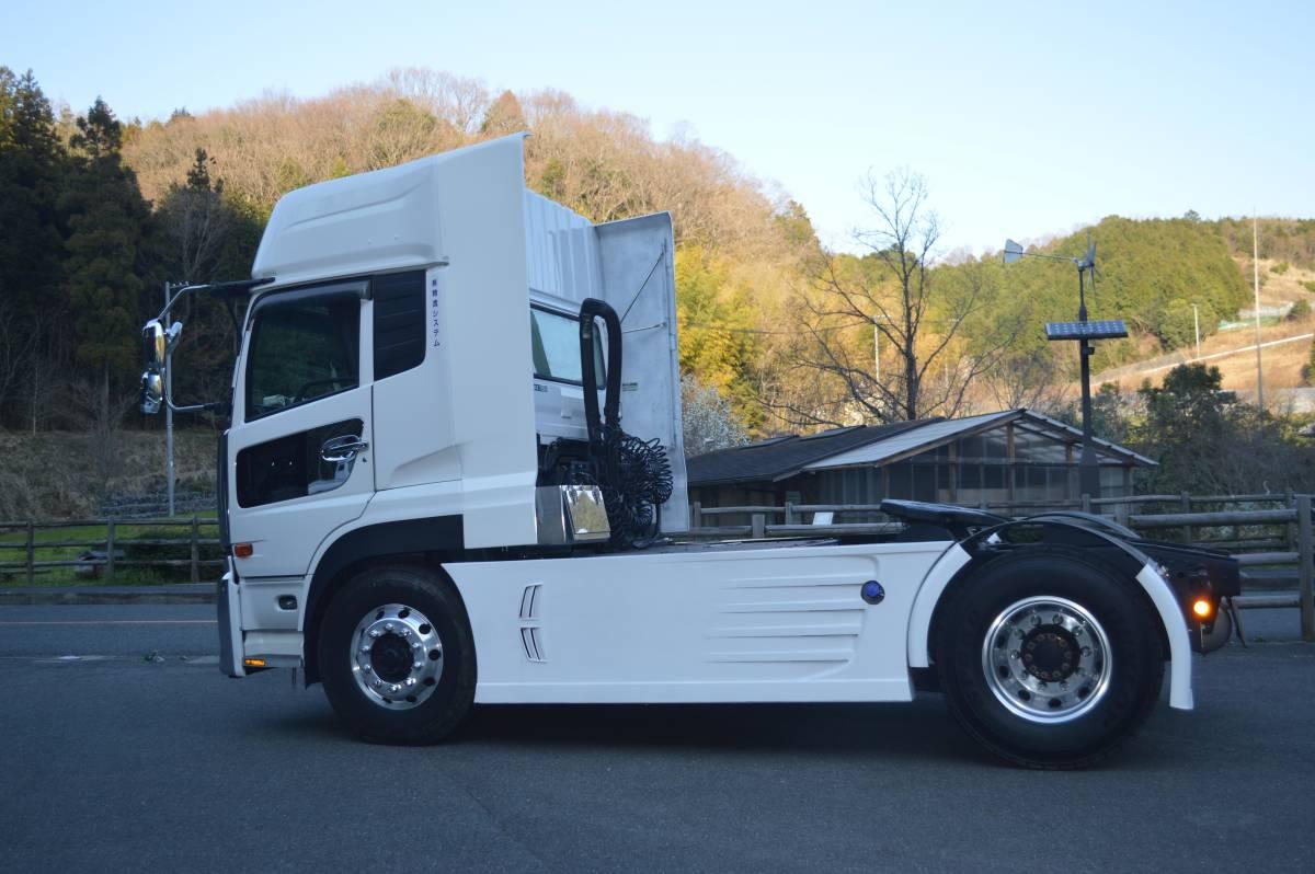 トラックパーツ 架装 UD クオン 新型、旧型 サイド ディフレクター(2P) FRP  ハイルーフ用 取り付金具付き_画像6