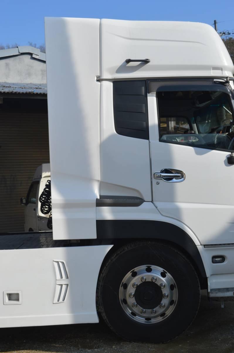 トラックパーツ 架装 UD クオン 新型、旧型 サイド ディフレクター(2P) FRP  ハイルーフ用 取り付金具付き_画像1