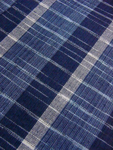 少し透ける 綿・麻シジラ織風 織の男ゆかた LLサイズ 紺色系縞柄 新品_画像5