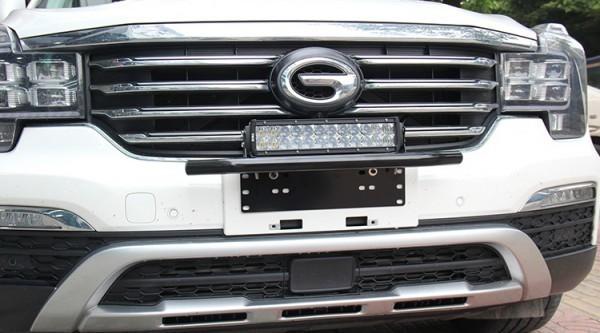 汎用 パイプバンパー付き ナンバープレート ライト ステー シルバー LEDライト ワークライト 作業灯 ジムニー JB64 JB23 ハスラー デリカ_画像10