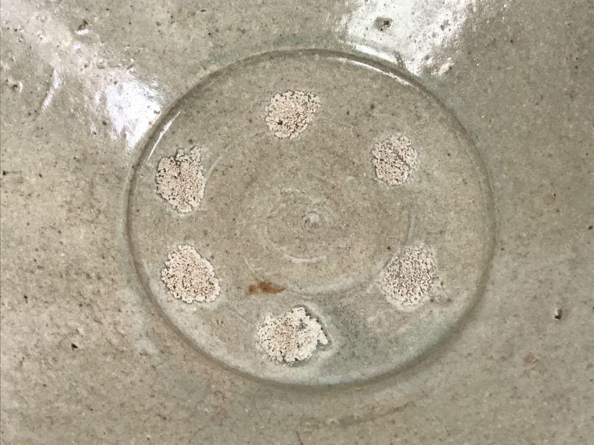 【在庫処分】李朝 灰釉平茶碗 鉢 李朝前期 16世紀 時代、本物保証 縁に金継ぎ直し、ひっつきがあります 箱なし_画像6