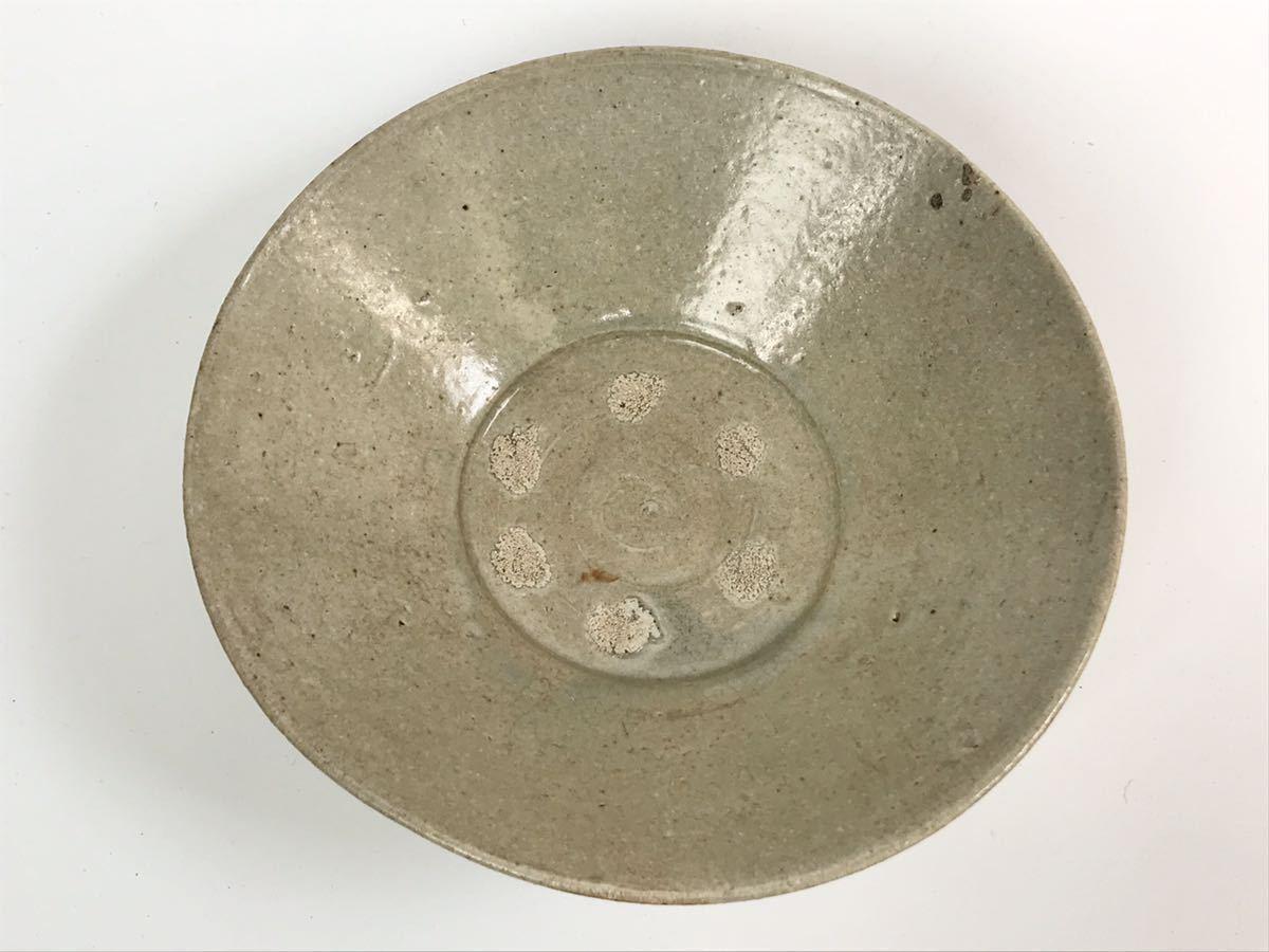 【在庫処分】李朝 灰釉平茶碗 鉢 李朝前期 16世紀 時代、本物保証 縁に金継ぎ直し、ひっつきがあります 箱なし_画像5
