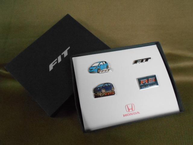 ホンダ ピンズコレクション フィット&フィットRS 4種セット ホンダコムテック製_画像1