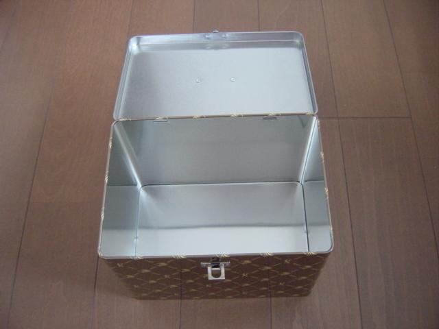 高級ラーメン収納ボックス 小物入れ 取っ手付き ブラウン 金属製 LIONFXロゴ入り 高さ約16cm 横幅約21cm 奥行き約15cm _画像3