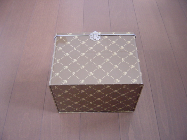 高級ラーメン収納ボックス 小物入れ 取っ手付き ブラウン 金属製 LIONFXロゴ入り 高さ約16cm 横幅約21cm 奥行き約15cm _画像4
