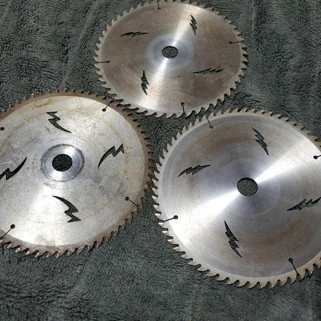 チップソー ドイツベストマックス 中古品長期保管(外径190 内径20 刃数64×2枚 52×1枚) 多少錆びあり 使用頻度少し 三枚セット_画像3