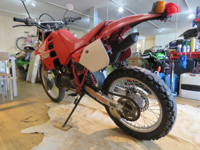 □HONDA ホンダ CRM250R 赤 21611km 250cc モトクロス 2スト 実動 初期型 バイク 札幌発_画像7