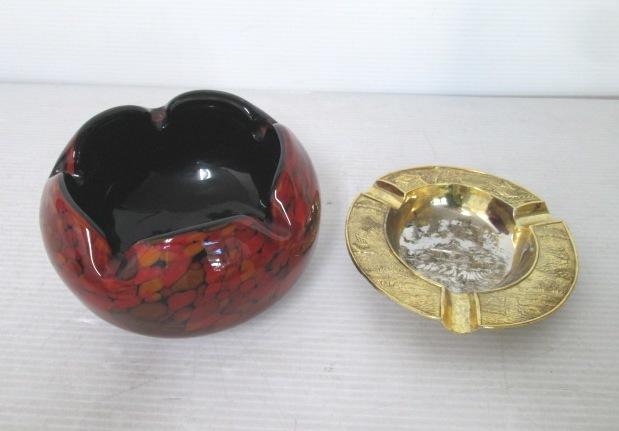 【まとめ売り】 ★ 灰皿 2個セット ★ 花びらのようなガラスの灰皿 / 日本三景 松島 金色の灰皿