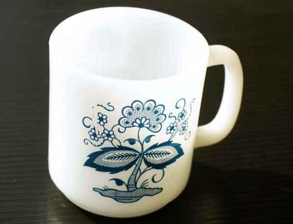 ◆ アメリカ雑貨 70's UNKNOWN ミルクガラス マグ 花柄/ビンテージ アンティーク レトロ インテリア コーヒー 食器 コップ ヒッピー 1_画像3