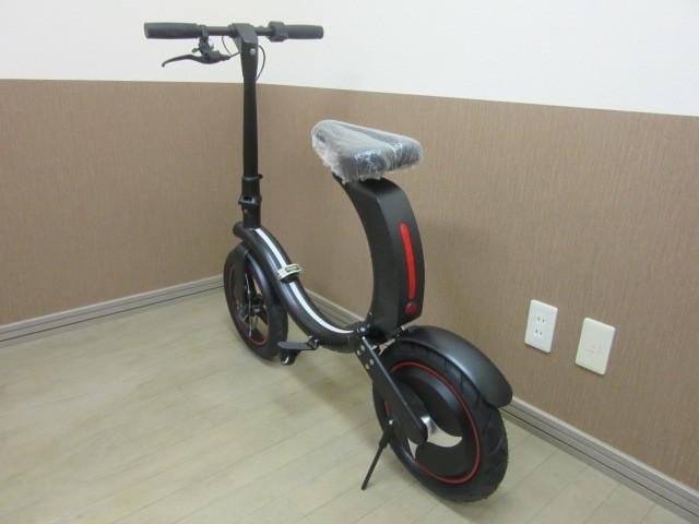 札幌市~新品 超人気!!電動バイク 折り畳み式 お洒落な円形デザイン_画像4