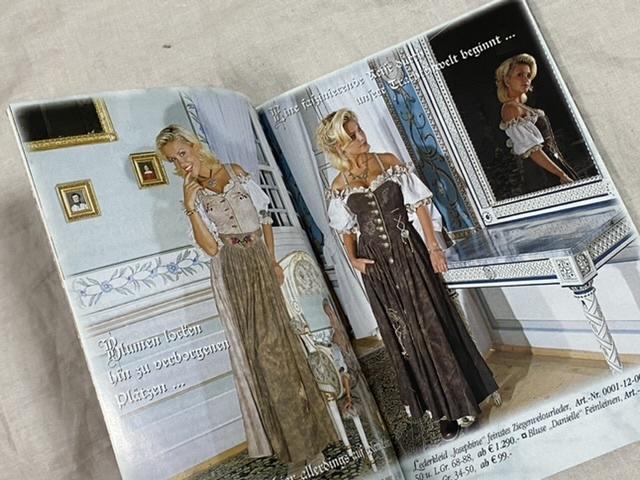 ドイツ バイエルン地方 民族衣装 ディアンドル カタログ ドイツ語 A Gwand vom Sepp 文庫小型サイズ_画像2