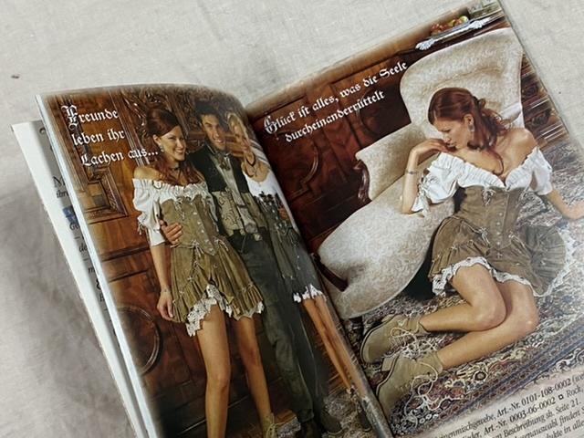 ドイツ バイエルン地方 民族衣装 ディアンドル カタログ ドイツ語 A Gwand vom Sepp 文庫小型サイズ_画像3