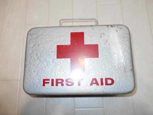 米軍放出品 FIRST AID KIT BOX_画像1