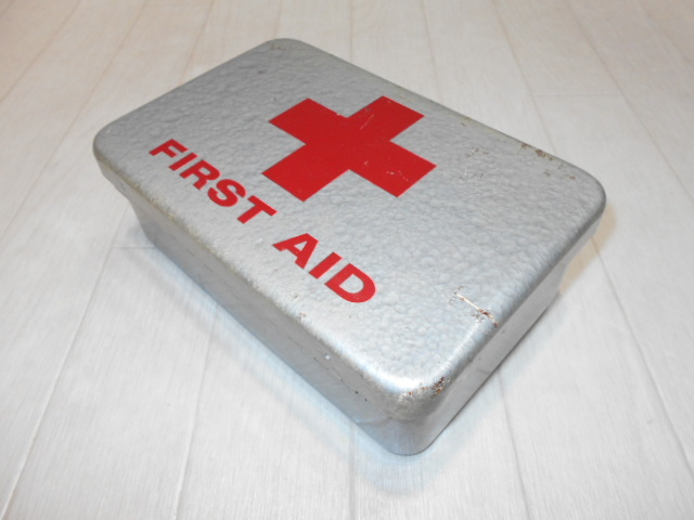 米軍放出品 FIRST AID KIT BOX_画像2