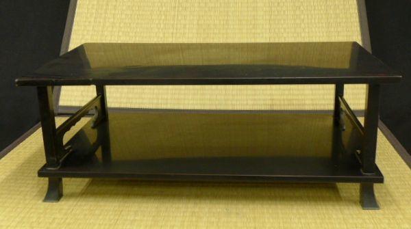 Q079 木製漆塗 透かし彫 銀巻 花台 四つ足花台 香炉台 飾り台/140_画像1