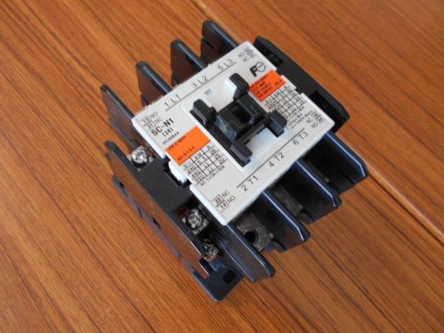 標準形電磁接触器 富士電機 SC-N1 SC25BAA (中古品)_画像1