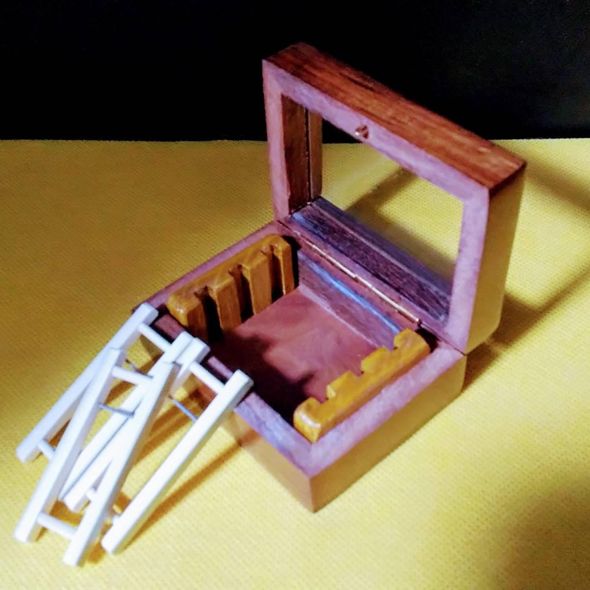 「タナゴ 小鮒 ローズウッド 紫檀 製ガラス窓付き仕掛け箱&仕掛巻き3本入 (竹竿)」の画像