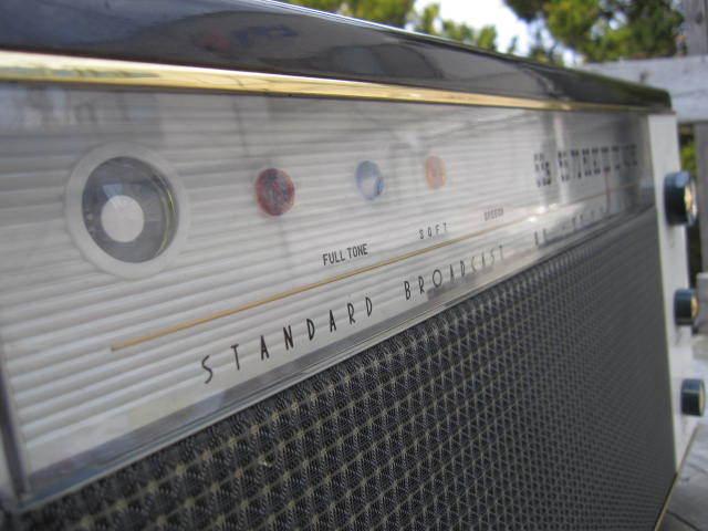 ☆先ほどまで未使用でした。希少 レトロ ビンテージ アンティーク 真空管ラジオ RADIO コロンビア 型式1400-3 当時物箱付き☆_画像2