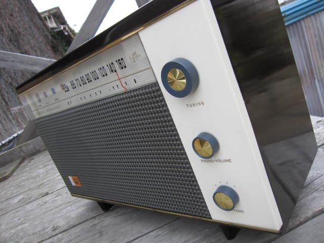 ☆先ほどまで未使用でした。希少 レトロ ビンテージ アンティーク 真空管ラジオ RADIO コロンビア 型式1400-3 当時物箱付き☆_画像3