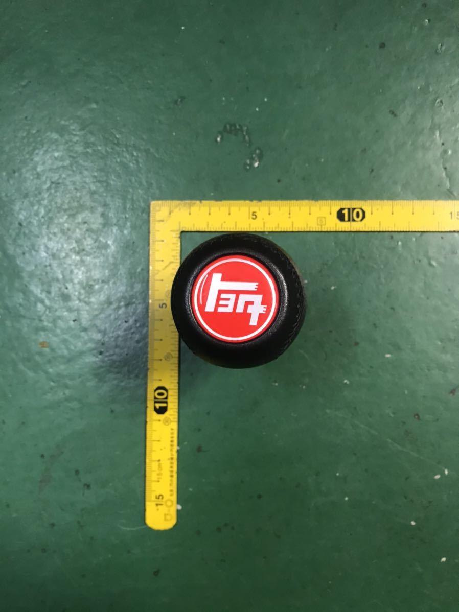 トヨタtoyota赤旧ロゴ新品レザーシフトノブ旧車AE86TE27KE70GX71AA63カローラスプリンタークレスタチェイサーカリーナセリカランクル_画像1