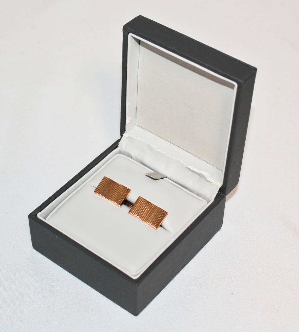 《NINA RICCI ニナリッチ》箱付新品 定価14,300円 エンボスストライプ カフリンクス カフス メンズ レッドゴールド プレゼントにも A2065_画像7