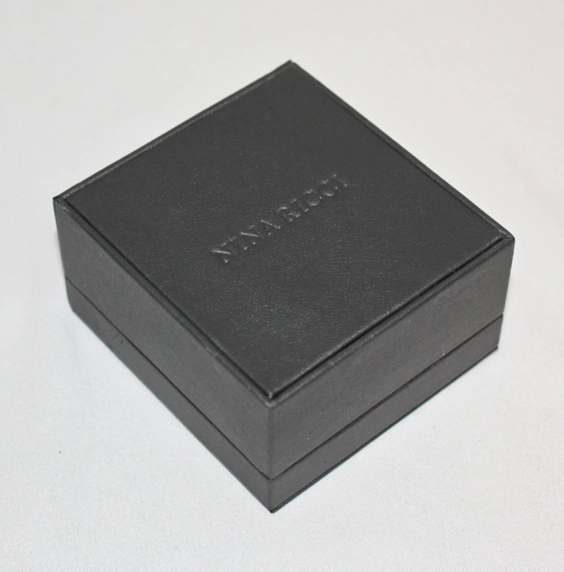 《NINA RICCI ニナリッチ》箱付新品 定価14,300円 エンボスストライプ カフリンクス カフス メンズ レッドゴールド プレゼントにも A2065_画像5