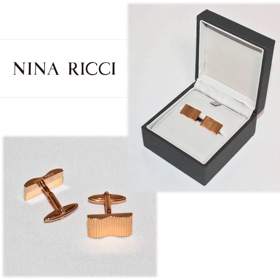 《NINA RICCI ニナリッチ》箱付新品 定価14,300円 エンボスストライプ カフリンクス カフス メンズ レッドゴールド プレゼントにも A2065_画像1