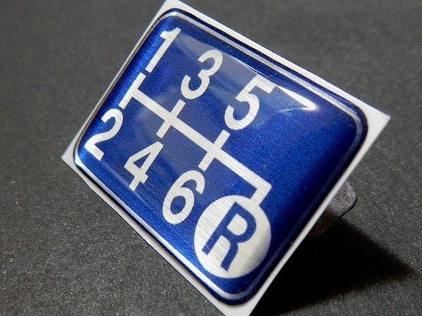 Tuningfan シフトパターン エンブレム ブルー 右下R 6MT車用 青 SPE-B602 BLUE 6速マニュアル プレート GDB GRB VAB S15 BNR34 Z33 ZF1 GE8_画像2