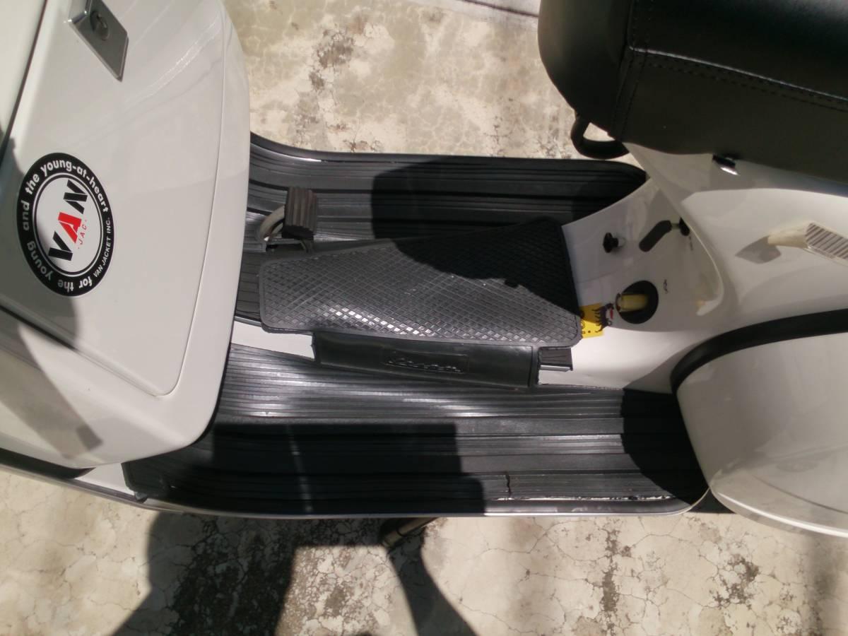 「ベスパ・PX125・国内正規品・ユーロ3・2スト・ほぼ新古車・ベスパと言ったらこのスタイルでしょ~・カスタム多数」の画像3