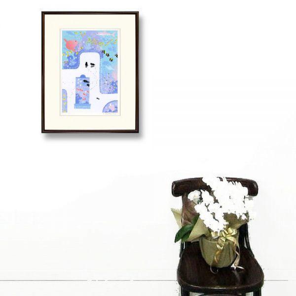 ★吉岡浩太郎『魚の国(ブラウン)』シルクスクリーン 絵画 新品 限定500部 額付き 動物画 水族館 マンボウ 熱帯魚【AHA-DK-008T】_壁掛けイメージ