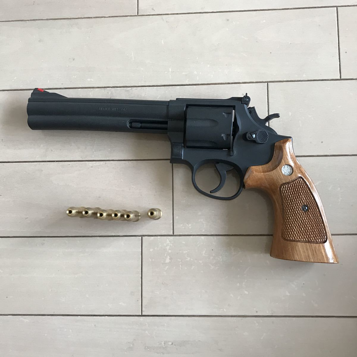 SMITH&WESSON 586 HEAVY weight iron finish 6inchマルシン _画像2