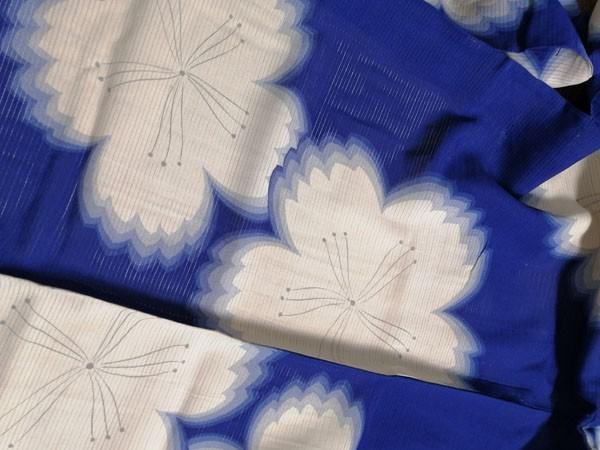 きものさらさ アンティーク 着物 絽 夏着物 青地に桜 大正ロマン モダン リメイク 材料_画像10