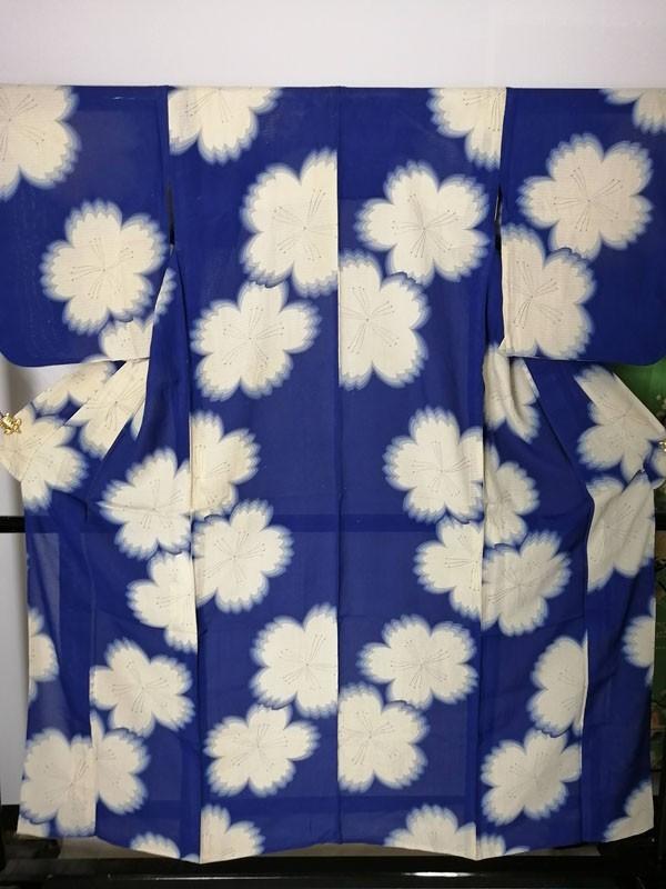 きものさらさ アンティーク 着物 絽 夏着物 青地に桜 大正ロマン モダン リメイク 材料_画像2