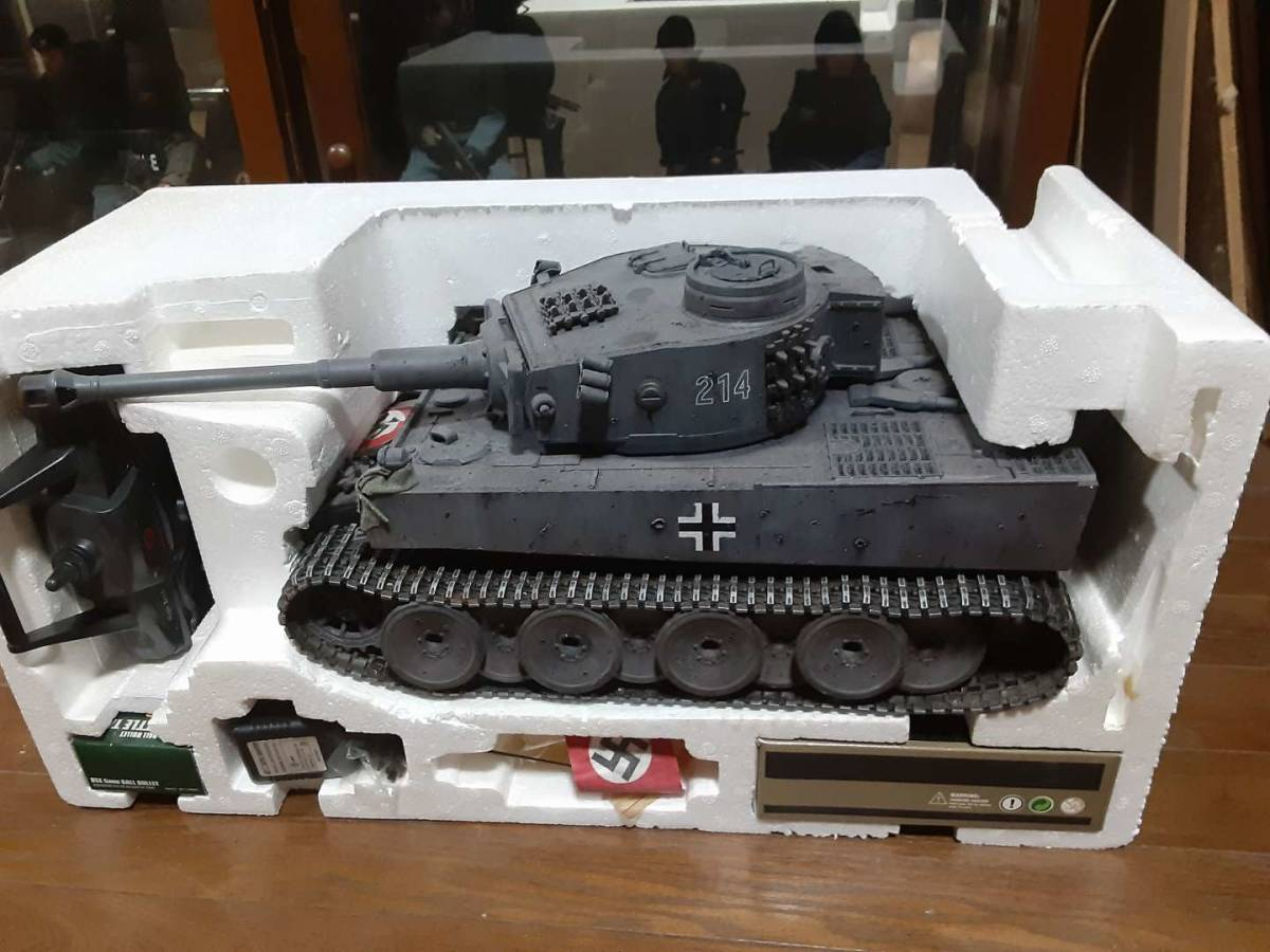 ヘンロン 1/16サイズ タイガーⅠ型カスタム多数 元27Mhz 今2.4Ghz(version3仕様) メタルキャタピラ スカートレス 1円スタート送料1600円_画像10