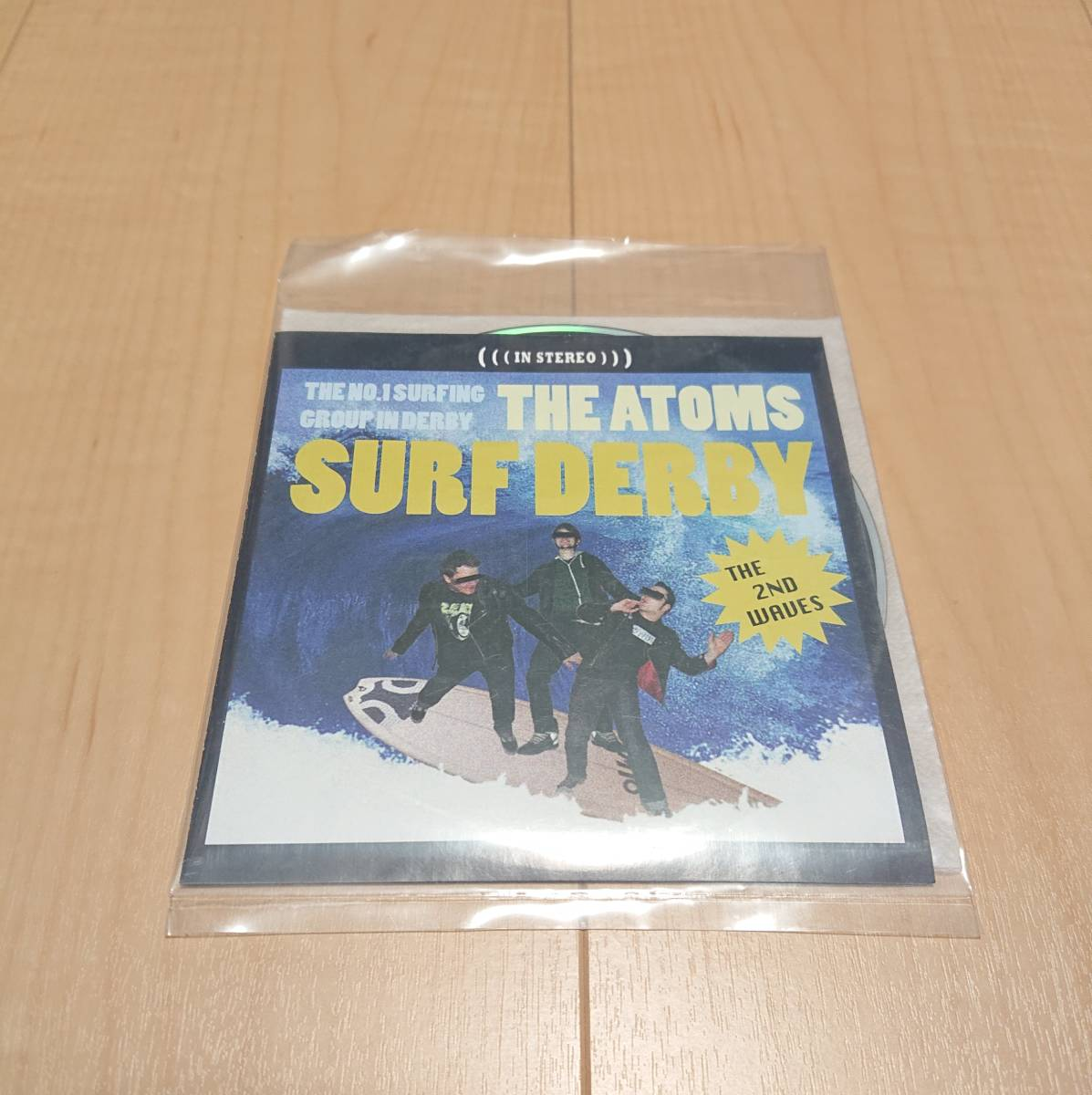 【The Atoms - Surf Derby】mega helltons apers shock treatment manges queers pop punk