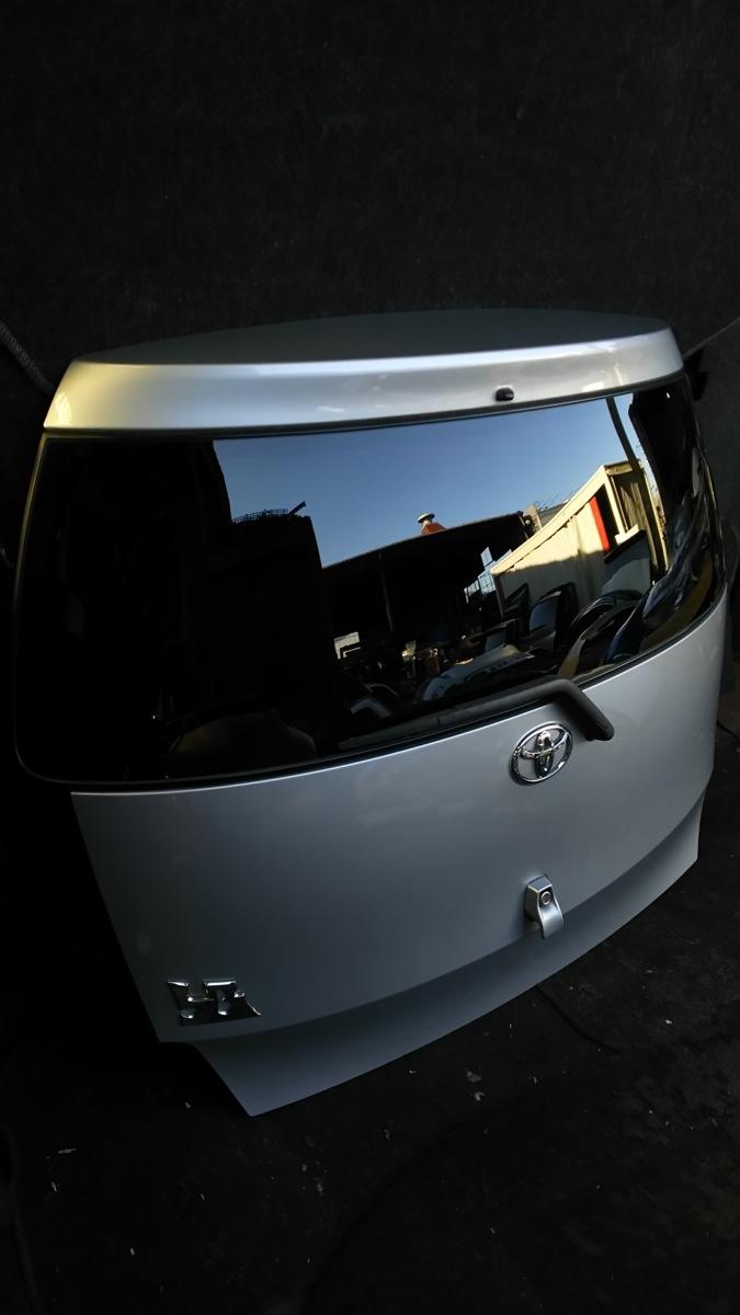 トヨタ bB QNC20 21 H21年 バックドア  S28 ブライトシルバーメタリック_画像4