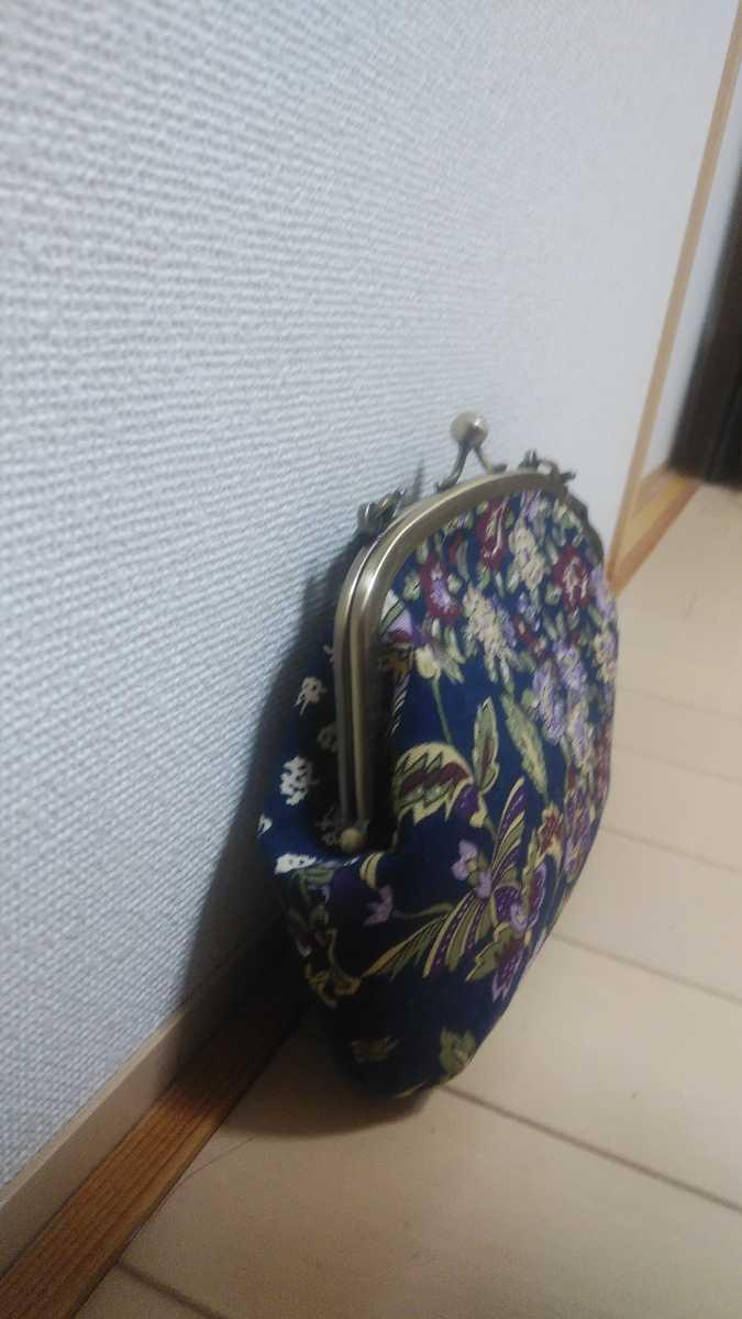 ☆ラスト3点☆廃盤☆ハンドメイド☆紺色花柄生地☆小さいがま口ハンドバッグ☆小☆