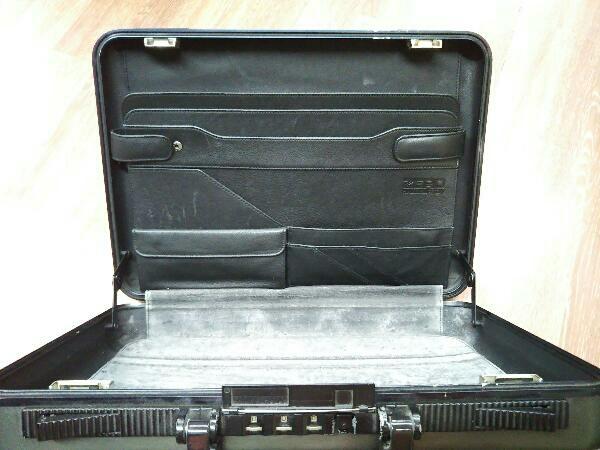 スーツケース ZERO HALLIBURTON アタッシュケース/GRY/無地 ブリーフケース バード ゼロハリバートン カーキ_画像3