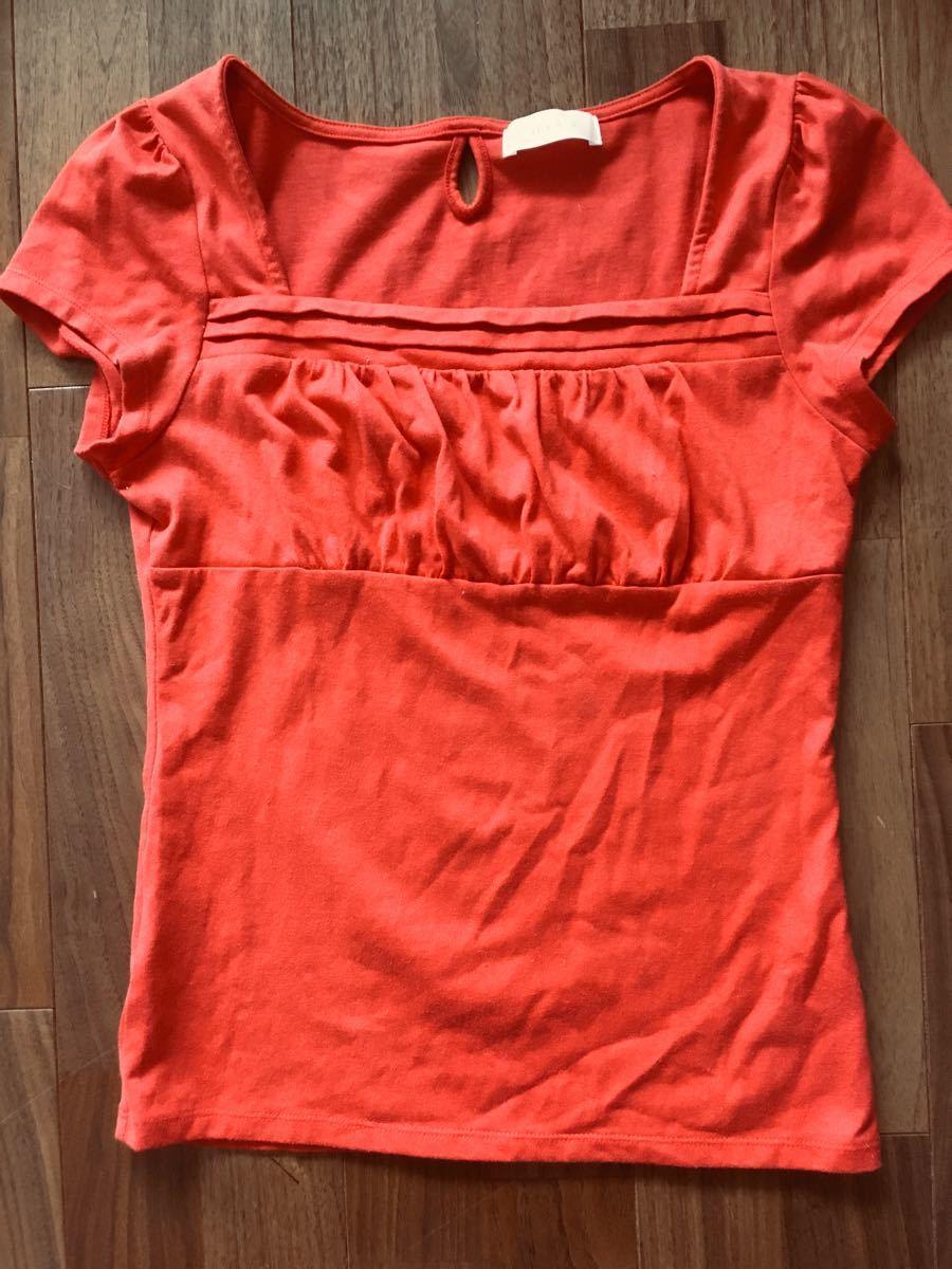 半袖カットソー 赤色  トップス