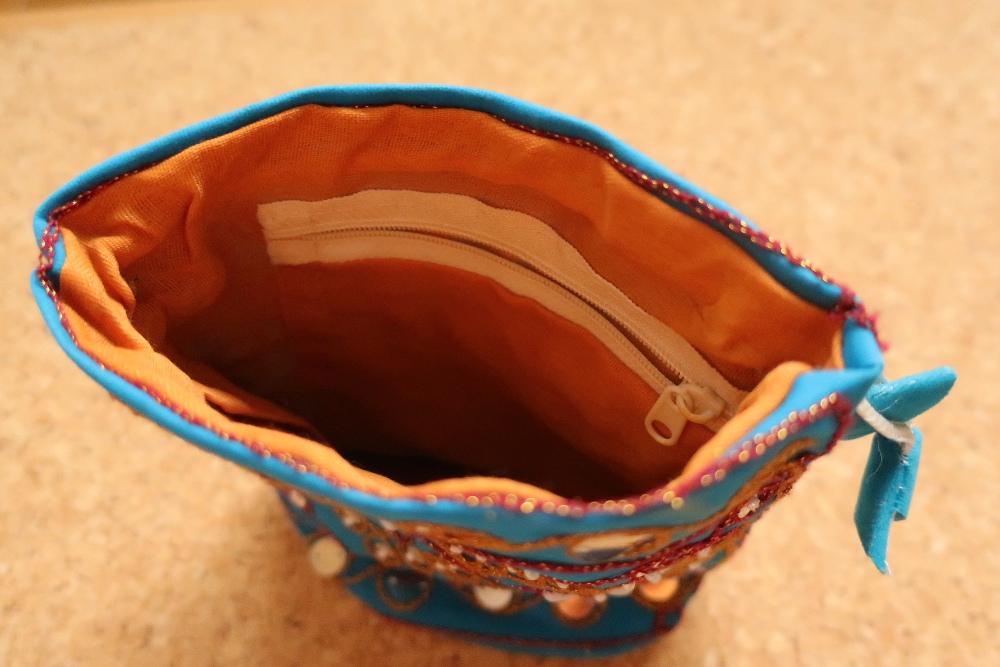 インド巾着袋 ターコイズブルー ハンドメイド 刺繍xスパンコールxビーズ_画像2