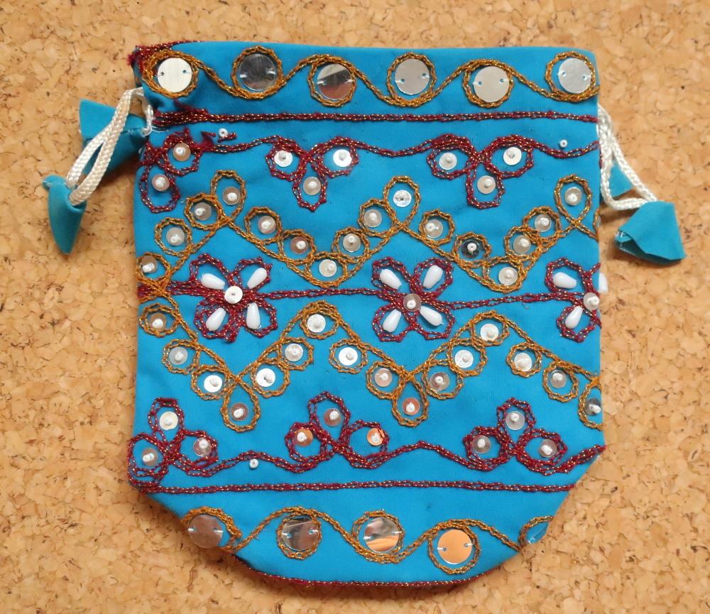 インド巾着袋 ターコイズブルー ハンドメイド 刺繍xスパンコールxビーズ_画像1