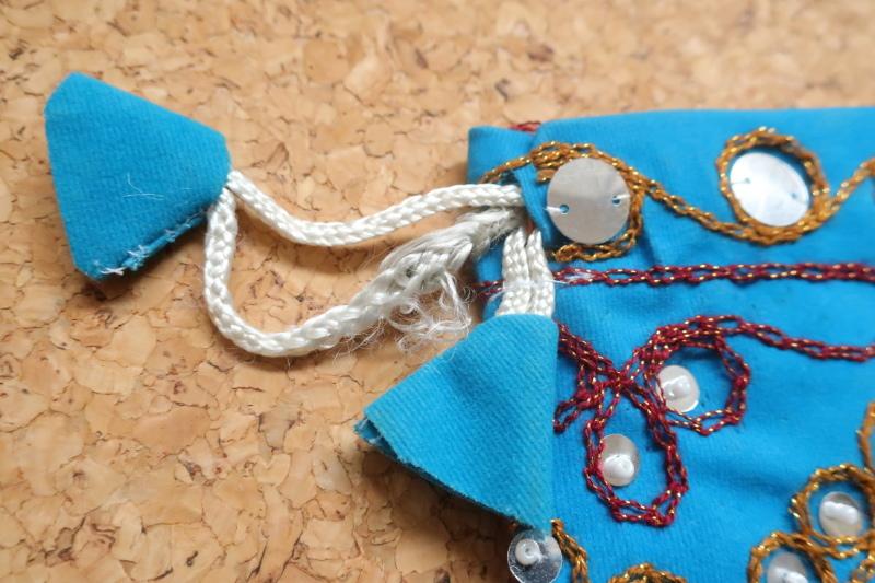 インド巾着袋 ターコイズブルー ハンドメイド 刺繍xスパンコールxビーズ_画像5