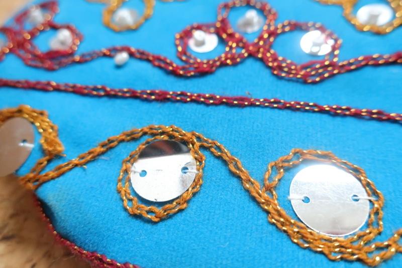 インド巾着袋 ターコイズブルー ハンドメイド 刺繍xスパンコールxビーズ_画像6