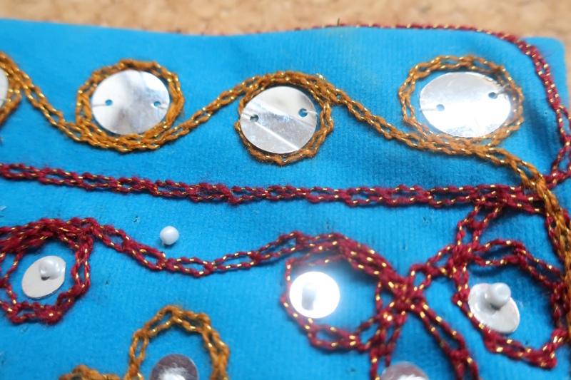 インド巾着袋 ターコイズブルー ハンドメイド 刺繍xスパンコールxビーズ_画像8